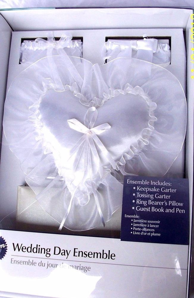 Wilton White Wedding Ensemble Guest Book & Pen 2 Garters Ring Bearer Pillow New #Wilton