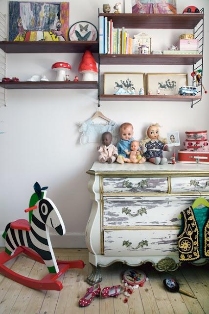 vintage kids room details