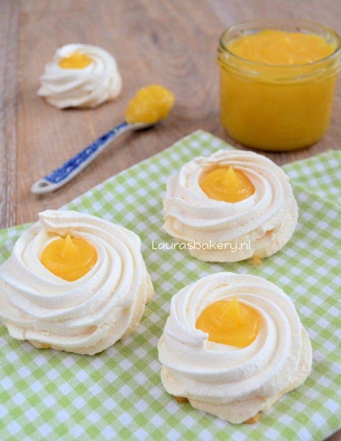 schuim bakjes met lemon curd, leuk voor Pasen