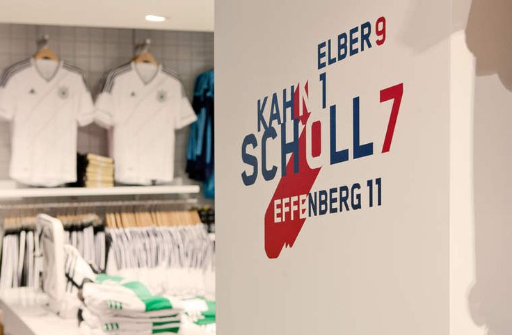 SPORT MÜNZINGER / IPOS-Kommunikation im neuen Store / #Corporate #Design #Sportswear #Logo #Relaunch / by Zeichen & Wunder, München