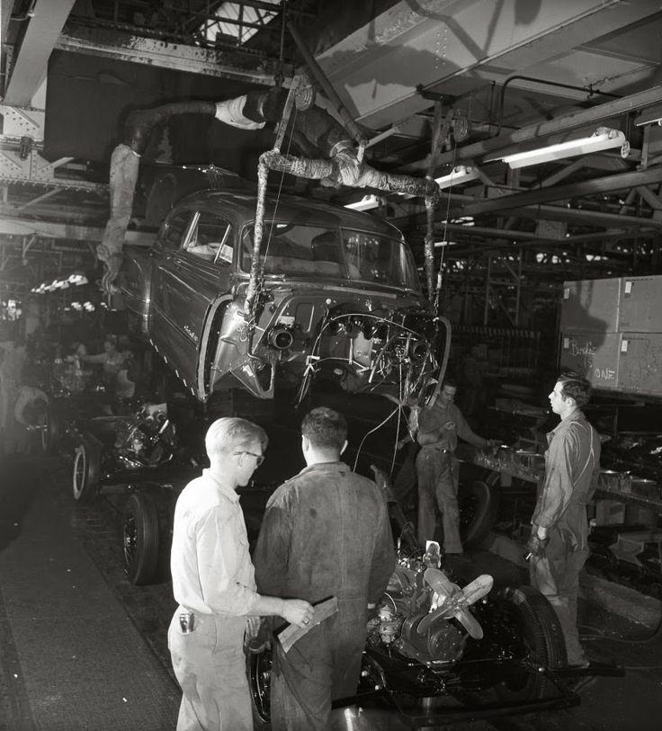 Vintage Pontiac Dealership: 325 Best Images About Factories On Pinterest