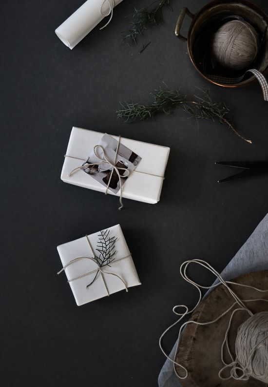 Passion Shake | Christmas series – Simple, stylish gift wrap | http://passionshake.com