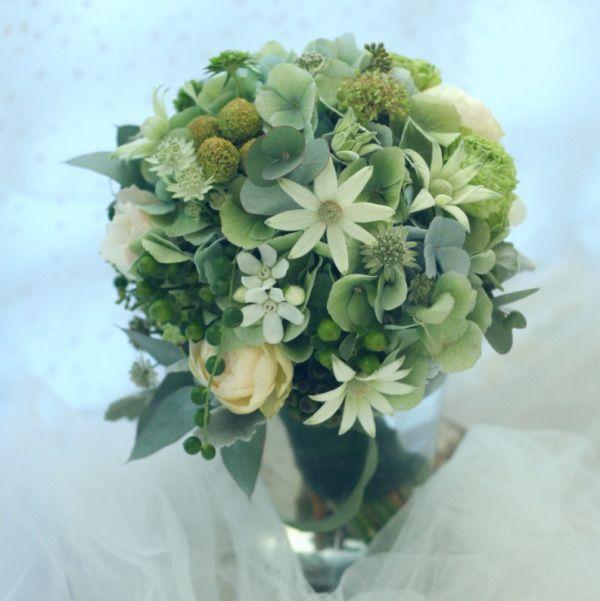 クラッチブーケ ユーカリとフランネルフラワー : 一会 ウエディングの花