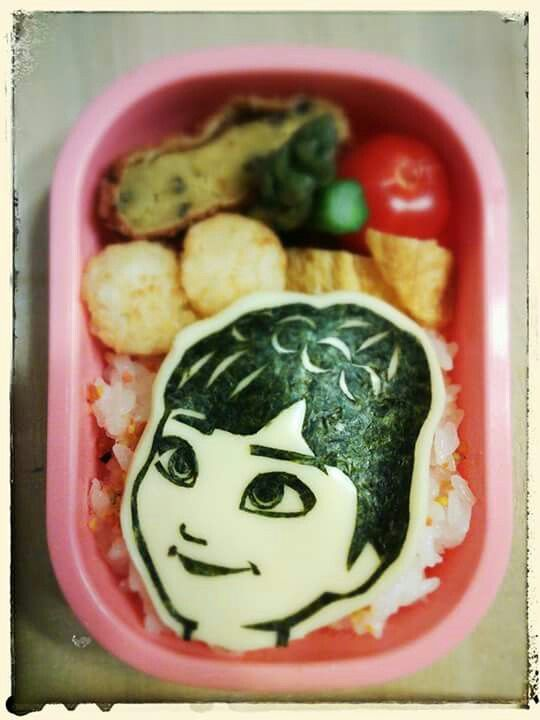 "Anna from Disney's ""Frozen""! Find out more character bentos on Facebook site ""Cool& Kawaii Character Bento"""