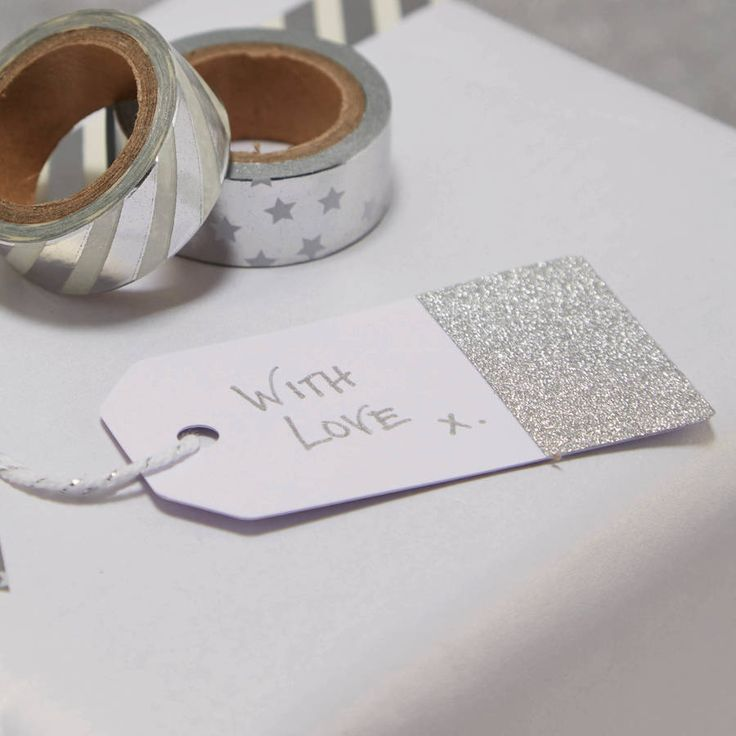 White And Silver Glitter Luggage Tags to put on favours