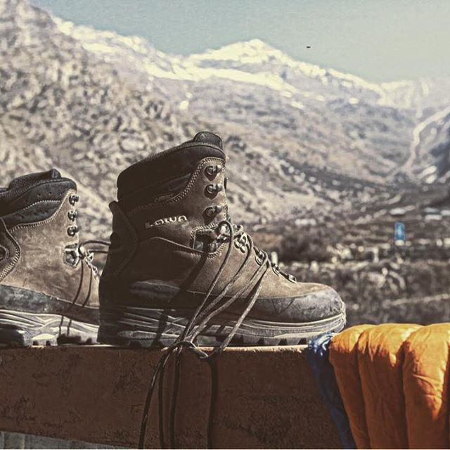 Sunning these beauties in the cold Himalayan sun. Lowa Tibet, backpacking boots handcrafted in Germany. Hardly took me 3-4 days to break them in. So comfortable that I didn't want to take them off the whole day. #lowaboots #neverstopexploring #mountains #canon5dmarkiii #canon #trekking #dope #camping #outdoors #nature #gear #travel #backpacking #india #picoftheday #landscape #hiking #himalayas #natgeotravel #bbctravel #touring #roadtrip #motolife