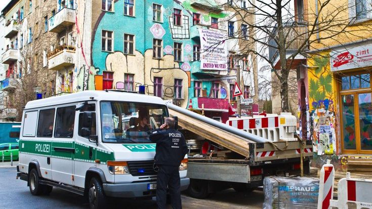 2016 Berlin - Friedrichshain, Polizeieinsatz in der Rigaer Straße (Foto: Steffen Pletl) ☺