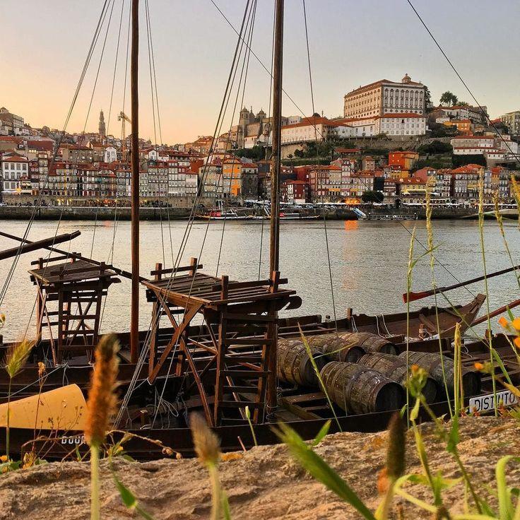 Porto Wine barrels  #Porto#Portugal#arquitetura#architecture#paisagem#tramonto#pordosol#vinho#vino#wine#cidade#bella#world#europa#europe#trip#travel#viajar#turistando#nature#sky#spring#primavera#portugues#gaia#riodouro#douro#vilagaia#ribeira#river by rravara