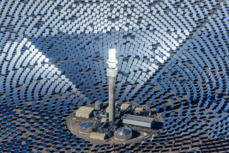 crescent-dunes-solar-plant02-889x594.jpeg (889×594)