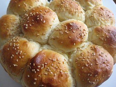 Bountiful Kitchen: Buttermilk Cluster Rolls