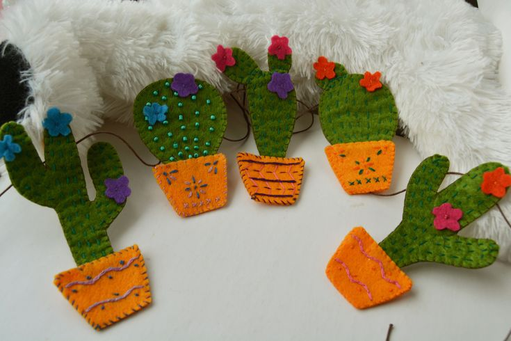 Cactus Felt Garland, five different cacti, Baby teepee Nursery decor, Wigwam decor, Fireplace garland, Nursery wall bunting, Desert home decor http://etsy.me/2FavJfa #housewares #homedecor #green #housewarming #yellow #nursery #felt #wall_bunting #cactus #garland #etsy