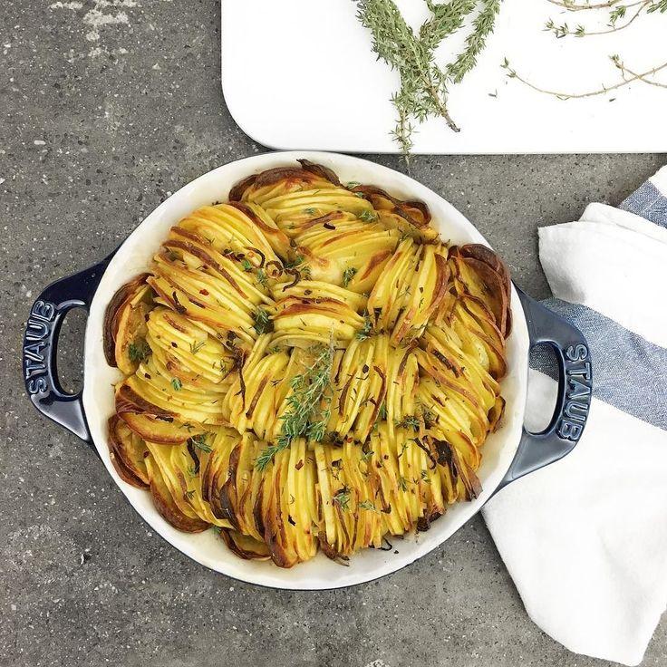Crispy potatoes for lunch (link in bio) Che bello avere il tempo per prepararsi questi pranzetti! Con chi pranzate oggi? #infoodwetrust #jarrytype #foodie by gnambox