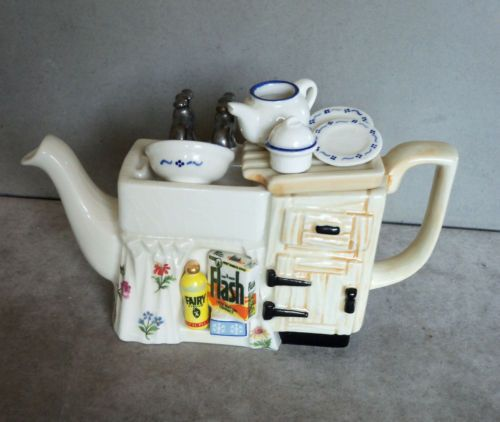 Paul-Cardew-Kitchen-Sink-Collectable-Teapot-VGC