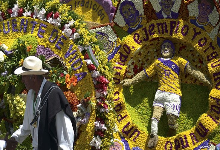 Entre fútbol, Gabo y la paz se movieron los silleteros en la Feria de las Flores.