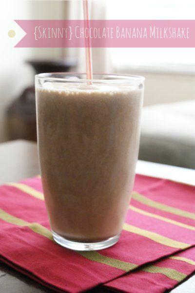 Skinny Chocolate Banana Milkshake | thetwobiteclub.com