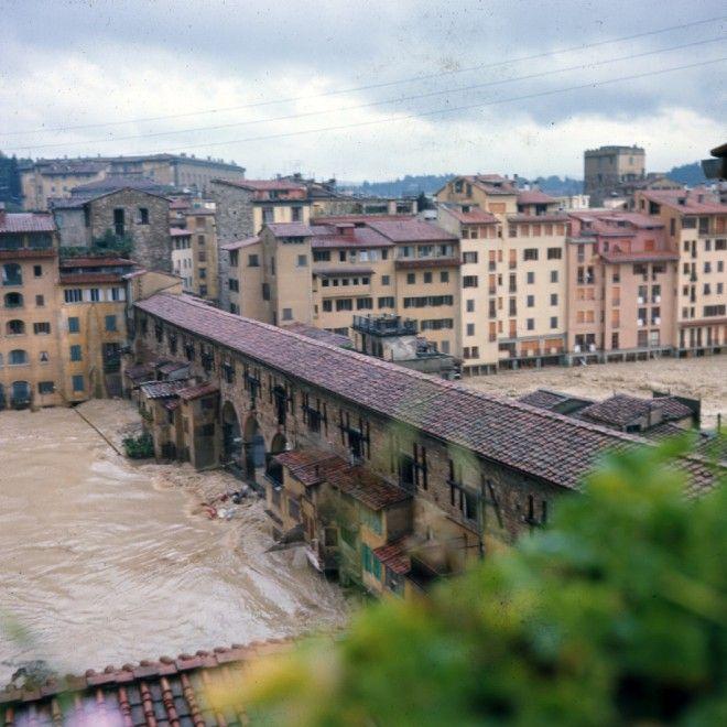 Firenze, l'alluvione del '66 a colori: dall'America le foto inedite