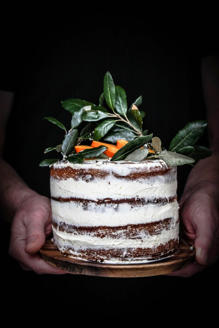Persimmon and cinnamon cake