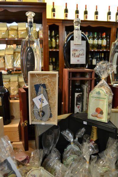 #Typical food products #artigianato della Sardegna #Wine #Sweets of Sardinia #Sardinia #Products of #Sardinia #Mare #Vacanze in #Sardegna #Wine shop