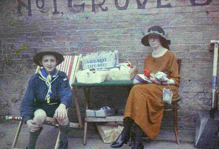 Looking for everyday clothing for ladies at the moment as I try to put together an early autumn ensemble. Not as easy as finding evening wear... (Autochrome, 1923, England)