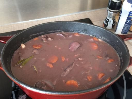 Recette de Ragoût de chevreuil au vin rouge