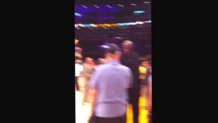 Kobe and Shaq shake hands and hug before Lakers & Warriors game