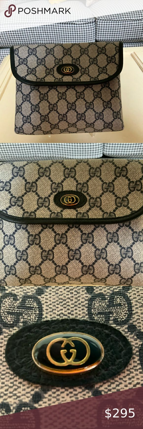 VINTAGE GUCCI NAVY LOGO CANVAS COSMETIC CASE BAG in 2020