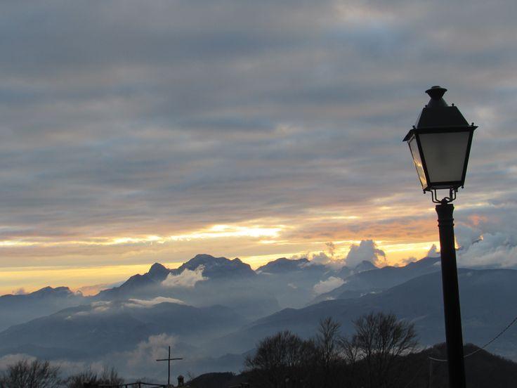 Alpi Apuane al tramonto viste da S. Pellegrino in Alpe Castiglione Garfagnana