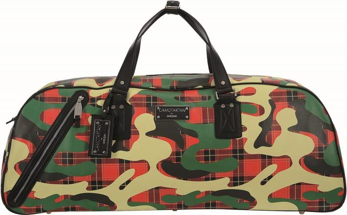 fig.: Weekender in red/green pattern from Yong Bae Seok's capsule collection 'Camotartan' for Geox; the bags for men and women come into Austrian stores at the end of March 2014. Photo: (C) Umberto Grizzo.