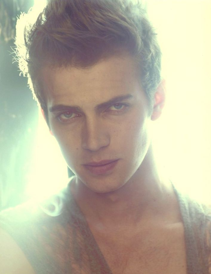 Hayden Christensen. Omg I think this is the hottest picture I have ever seen... <3