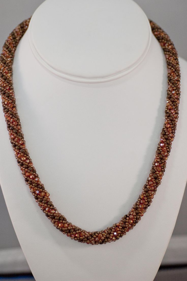 679 best Beading - Necklaces images on Pinterest | Bead jewelry ...