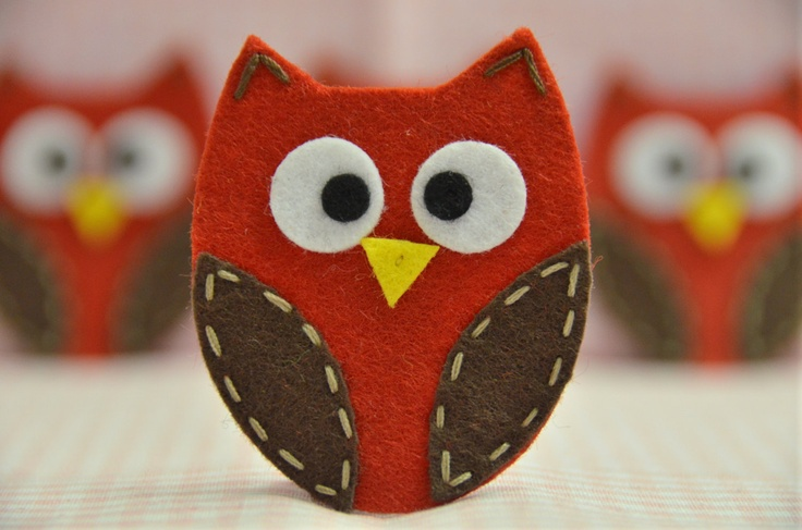 felt owl idea - a bit bigger and filled with rice as a warm/cold pack