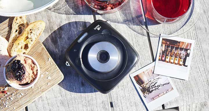 Ver Precio de la cámara Instax Square SQ10 en Amazon