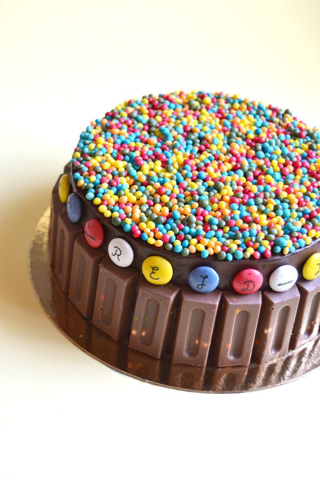 Tarta de chocolate y mermelada con chocolatinas y Lacasitos / tarta de cumpleaños para niños