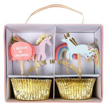 Perfect for a magical celebration this unicorn cupcake decorating kit is certain to make you a believer. With a set of shiny gold foil cupcake cases and unicorns and rainbow toppers embellished with c
