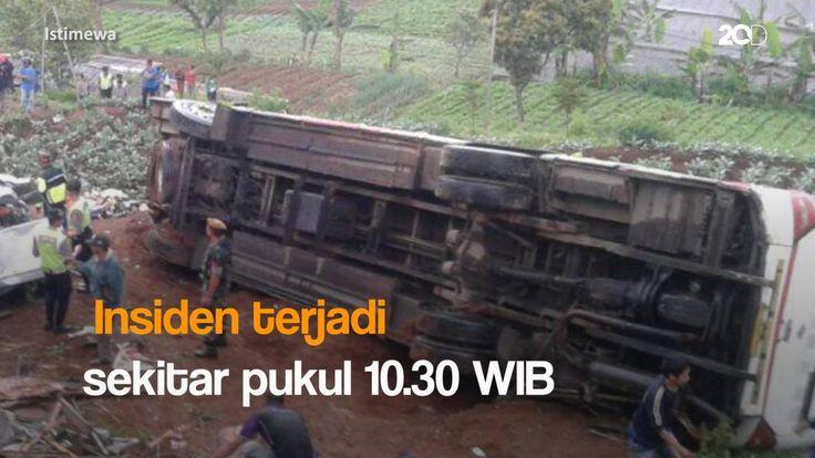 Begini kondisi kecelakaan maut di jalur Puncak, Cianjur. Lihat videonya di sini:  Via: 20detik