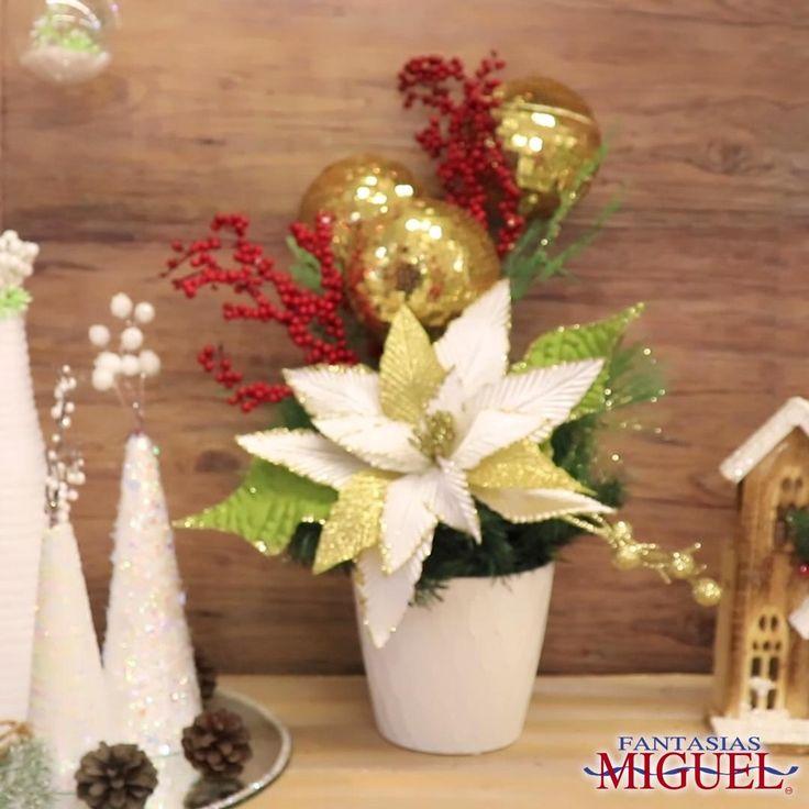 Haz este increíble centro de mesa navideño con esferas navideñas. Christmas Eve, Xmas, Diy Crafts, Table Decorations, Outfit, Home Decor, Mantle, Christmas Table Centerpieces, Christmas Projects