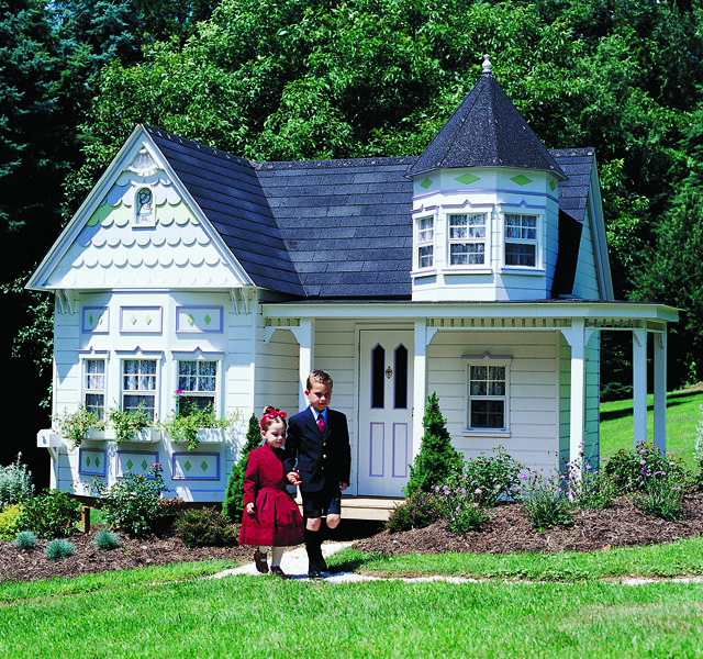 6 Enchanting Tiny Victorian Homes Built For Kids