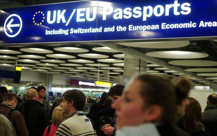 Americans traveling to Europe could soon have to apply for visas to visit the continent. The European Parliament has passed a resolution calling for an end to US citizens' visa-free travel to the EU in a clear attempt to stand up to Washington's isolationist policies.