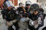 Anak Palestina di bawah umur dikenai denda $ 15.400 di penjara Israel  PALESTINA (Arrahmah.com)  Anak Palestina yang masih di bawah umur dan dipenjara di pusat penahanan Ofer Israel didenda dengan total 57.000 shekel ($ 15.420) pada bulan Februari saja ungkap Komite Urusan Tahanan Palestina pada Ahad (5/3/2017) menambahkan bahwa sedikitnya 49 diantaranya ditahan pada bulan Februari.  Pengacara Komite Luay Akka mengatakan bahwa sedikitnya ada 49 anak Palestina di bawah umur yang dipenjara…