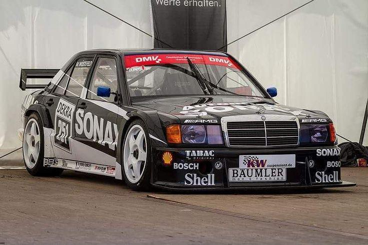 """Precioso Mercedes 190 EVO DTM. ---------------------------------------------------------------------------- Consigue los llaveros racing más originales en: """"www.llaverosmotor.es"""" o si lo deseas también puedes enviar un mensaje directo a @llaverosmotor ---------------------------------------------------------------------------- #Mercedes #190 #EVO #Mercedes190 #Mercedes190EVO #190EVO #DTM #AMG #MercedesAMG #CarPorn #InstaCar #RaceCar #RallyCar #BecauseRaceCar #DownForce #UpHill…"""