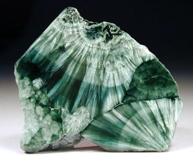 The Feathery Gemstone Seraphinite | Geology IN