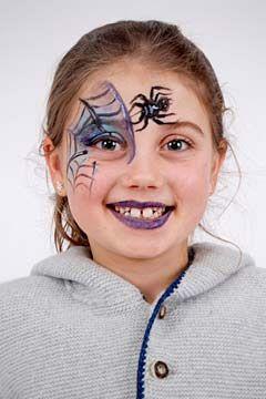 Hexe schminken leicht gemacht: Wenn Sie Ihr Kind als Hexe schminken möchten, brauchen Sie unsere Anleitung zum Kinderschminken: Hexe. Viel Spaß! © vision net ag
