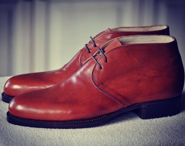 Santa Claus is coming soon.. 🎅Have you polished your handmade Chukka Fabula bespoke boots yet? Don't you have them? Order now:⚡️info@fabulashoes.com #fabula_bespoke_shoes #fabulashoes #shoemaker #shoegazing #shoestagram #bespoke #bespokeshoes #madetoorder #madetomeasure #handmadeshoes #handwelted #chukka #chukkaboots #styleblog #styleforum #styleformen #menstyle #mensfashion #menwithclass #gentlemen #gentlemensclub #suitup #gentstyle #highfashionmen #gentslounge #dapperstyle #mensfashion…