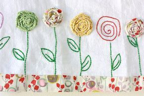 Bordados harina saco toalla apliques de flores por TwoElephantsShop                                                                                                                                                      Más