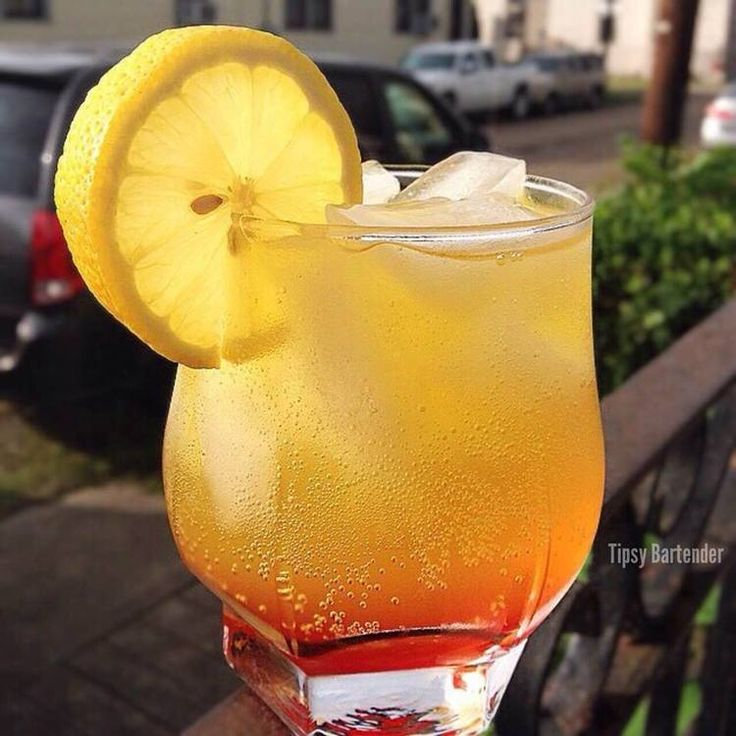 The Sunburn Cocktail - For more delicious recipes and drinks, visit us here: www.tipsybartender.com