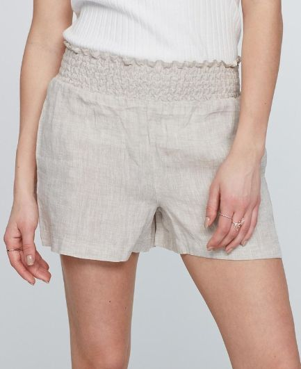 Linen shorts from Gina tricot / APPRL / Adlink / annons