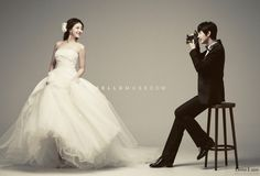 simple and elegant pre wedding photo shoot in Korea by a professional Korean pre-wedding photographer