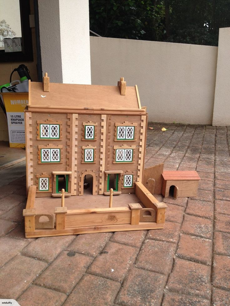 30 Year Old Wodden Dolls House Hand Made By My Grandfather For Me In  England.
