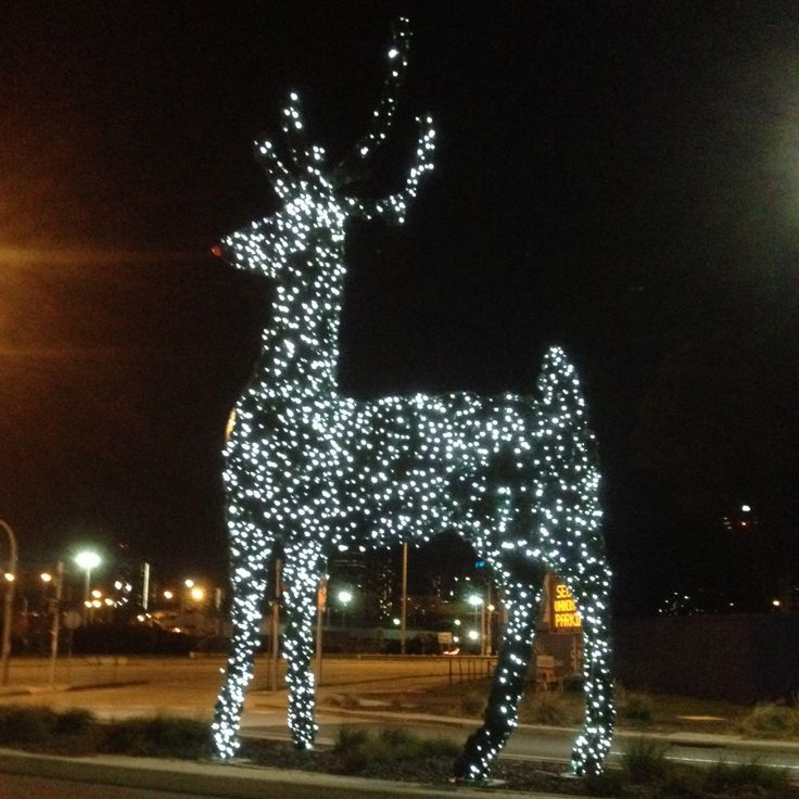 We seem to like big giant things!!! This time enormous sparkling Reindeer @ Docklands #xmas #reindeer #whirly