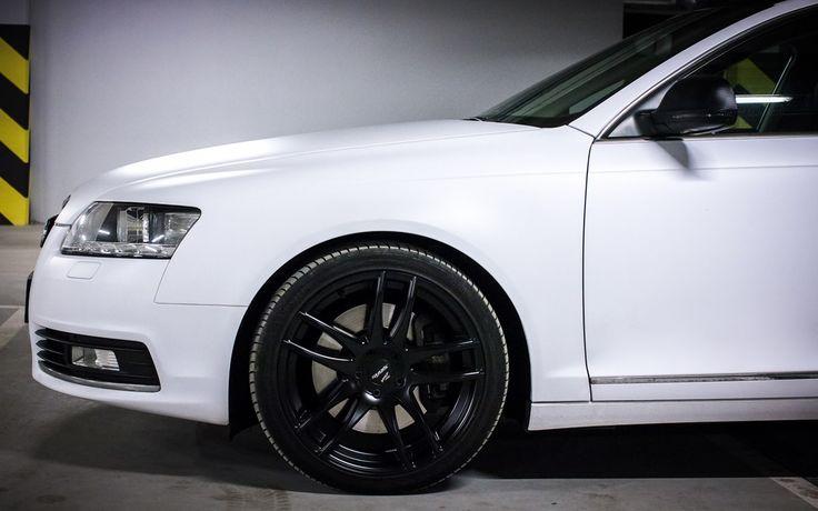 Zaskocz znajomych i rodzinę - nowe felgi aluminiowe, oklejenie samochodu folią, a może auto detailing?